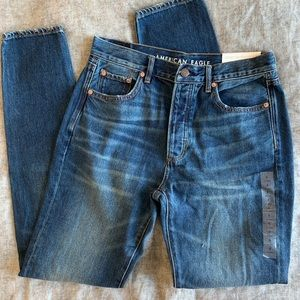 NWT American Eagle Hi-Rise Girlfriend Jeans